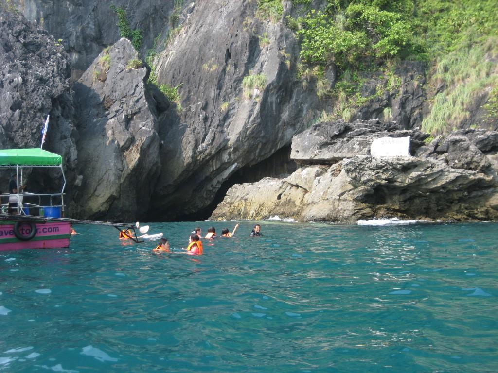 Indgangen til Morakot grotten på øen Koh Mook