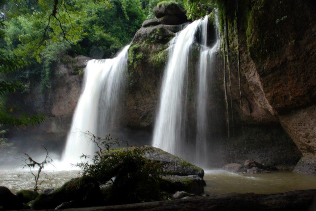 Haeo Suwat waterfall