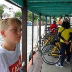 Cykelturen er ved at vaere slut og vi er paa vej retur over floden