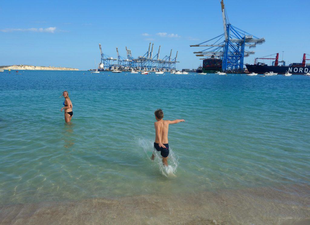 Playa Birzebbugia og alle kranerne